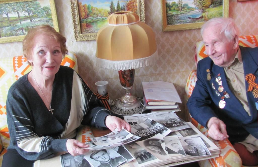 Слева - геронтоволонтер Валентина Михайловна, справа - ИВОВ Николай Михайлович